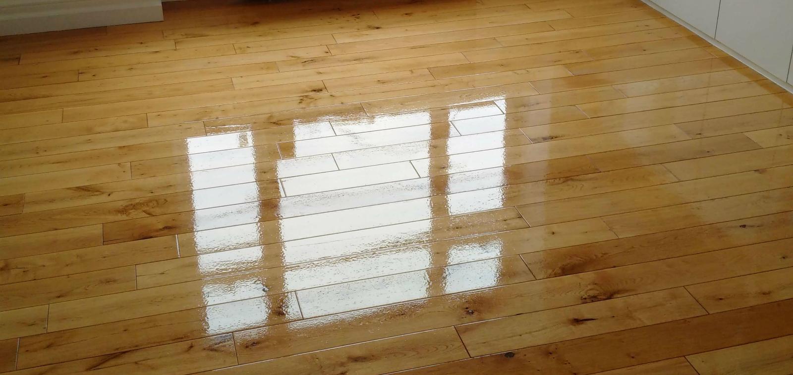 Light Sanding Wood Floor and Re-varnish